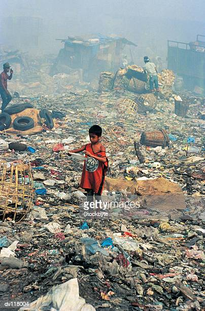 living from waste on smokey mountain,manila,philippines - garbage dump stock pictures, royalty-free photos & images
