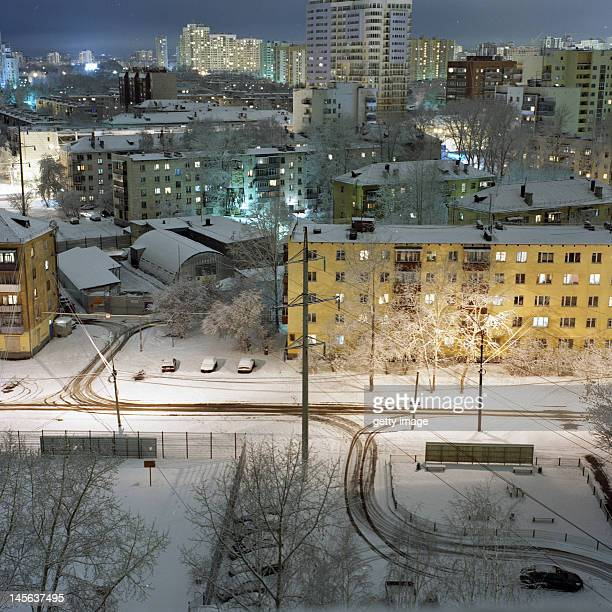 living houses in night - yekaterinburg foto e immagini stock