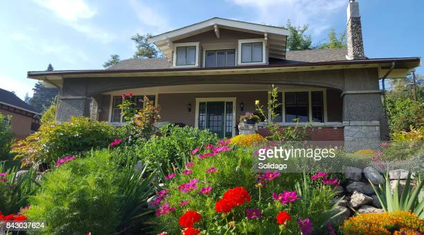 Living In A Most Beautiful Garden And Craftsman Home