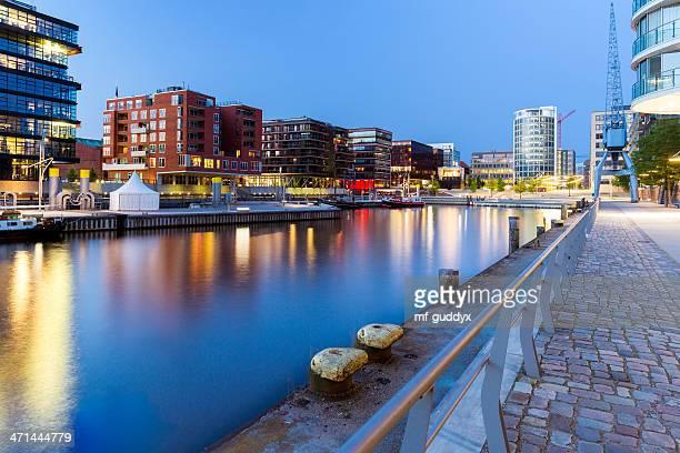 Sala de estar en el moderno y azul Hamburgo Hafencity