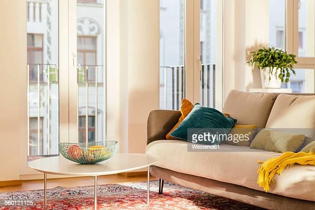 living room area with persian rug - persian rug - fotografias e filmes do acervo