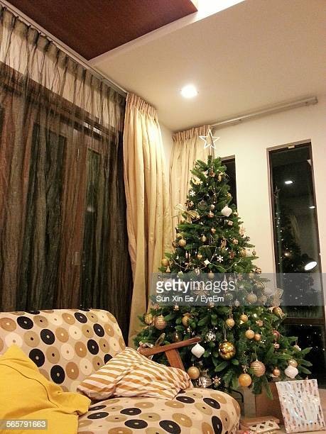 Living Room Decorated With Christmas Tree