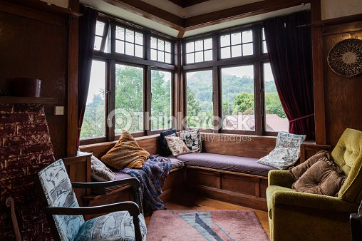 Living Room In 1920s Bungalow With Vintage Furniture Stock Photo