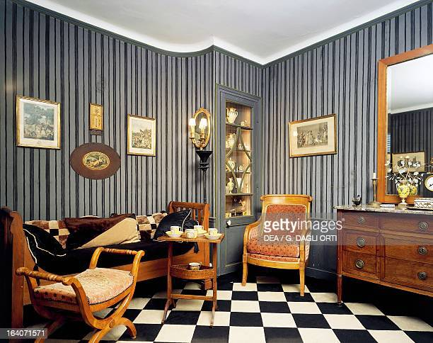 Living room of the house in Montfortl'Amaury where JosephMaurice Ravel lived from June 1921 to 1937 MontfortL'Amaury Musée Maurice Ravel
