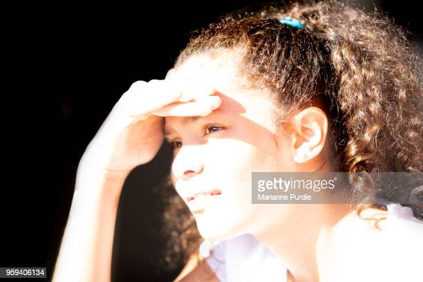 living with glare - squinting stock photos and pictures