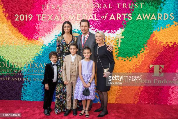 Livingston Alves McConaughey Camila Alves Levi Alves McConaughey honoree Matthew McConaughey Vida Alves McConaughey and Kay McConaughey attend the...