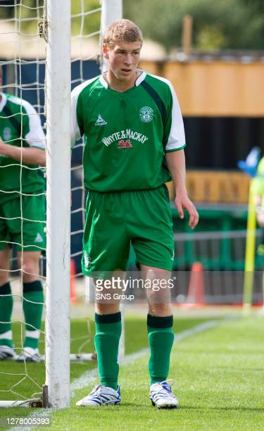 David Wotherspoon in action for Hibs.