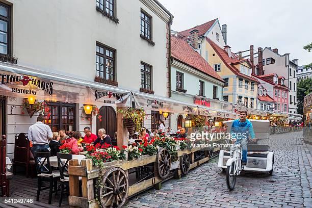 Livu square, the Steiku Haoss restaurant and a rickshaw