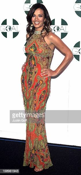 Liz Bonnin Attends 'The Aura Of Asia' Charity Fashion Show In London'S Battersea Park
