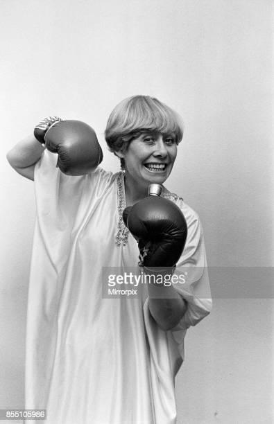 Liz Dawn aka Vera Duckworth of Coronation Street fame wearing boxing gloves 7th May 1982