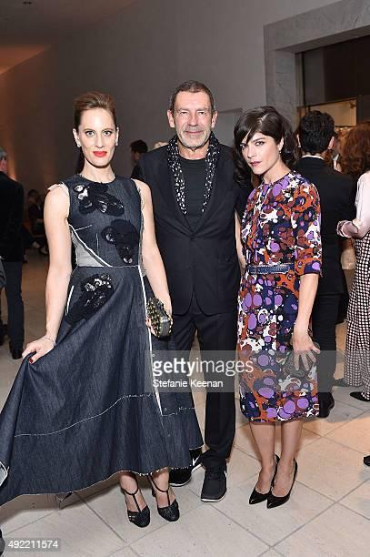 "Liz Goldwyn, wearing Bottega Veneta, Tomas Maier, and Selma Blair, wearing Bottega Veneta attend Hammer Museum's ""Gala in the Garden"" Sponsored by..."