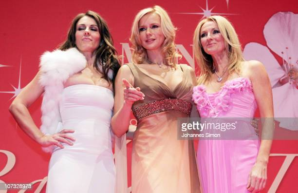 Liz Hurley Veronica Ferres and Frauke Ludowig perform on the stage during the 'Barbara Day 2010' Charity Gala at Haus der Kunst on December 4 2010 in...