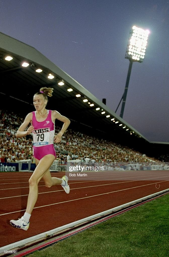 Liz McColgan of Great Britain in action during the Womens 3000 metres event of the Zurich Grand Prix at the Letzigrund Stadium in Switzerland. McColgan finished in first place. \ Mandatory Credit: Bob Martin/Allsport