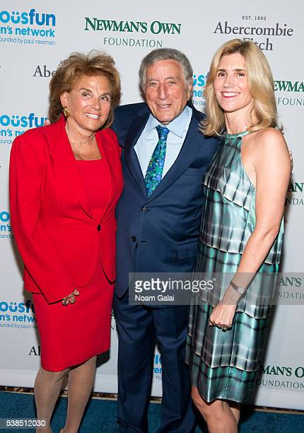 Liz Robbins Tony Bennett and Susan Benedetto attend the 2016 SeriousFun Children's Network gala at Cipriani 42nd Street on June 6 2016 in New York...