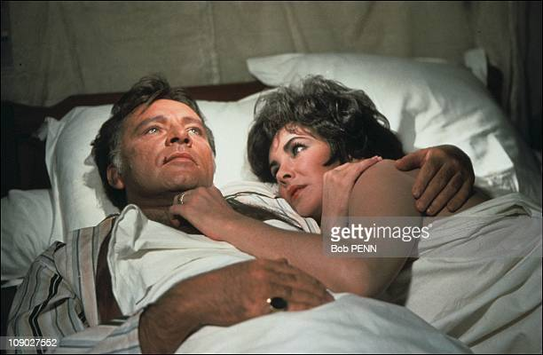 Liz Taylor and Richard Burton on the film set of 'The Comedians' by Peter Glenville in 1967