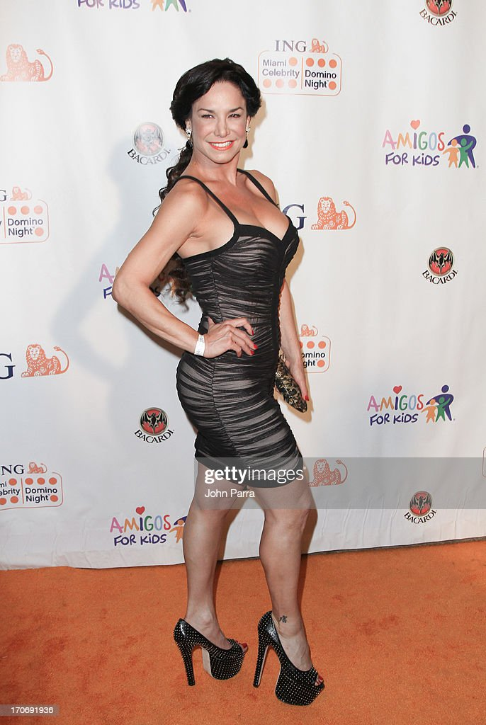 ING Celebrity Domino Night To Benefit Amigos For Kids : News Photo