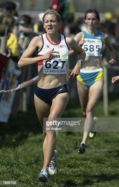 Liz Yelling of Great Britain in action during the women's short race at the 31st IAAF World Cross Country Championhips held on March 30 2003 at La...