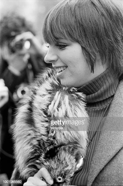 Liza Minnelli , actor and singer, pictured at The Dorchester Hotel in London. Liza, last night, played a show at The Rainbow Theatre in Finsbury...