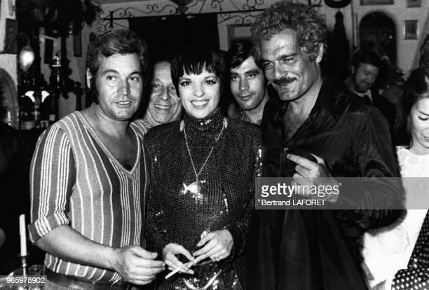 Liza Minnelli et Omar Sharif lors d'une soirée le 15 septembre 1972 à Paris France
