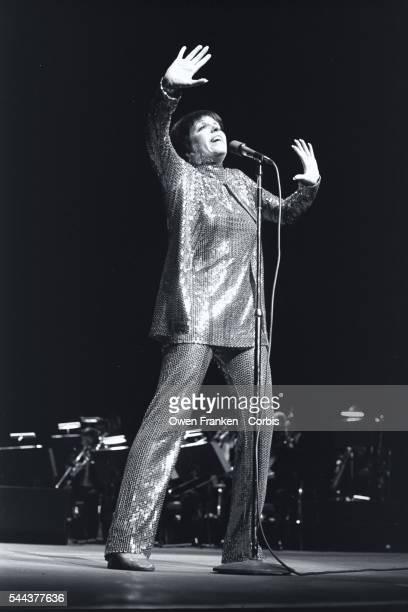 Liza Minnelli Performing on Stage