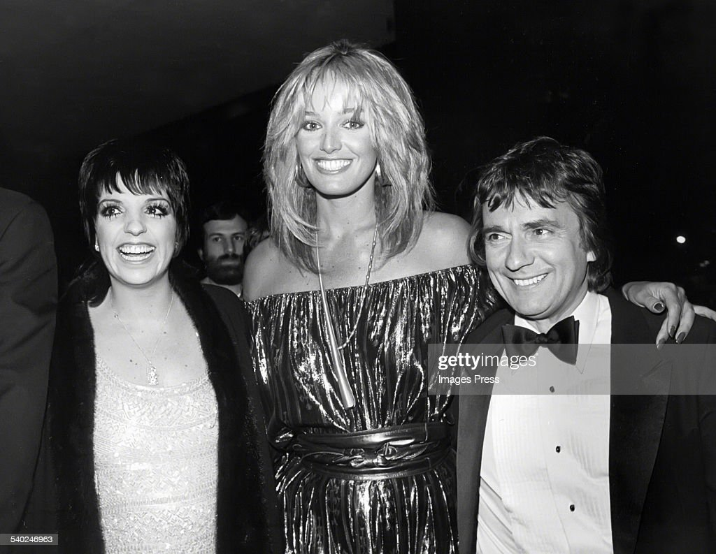 Liza Minnelli, Susan Anton and Dudley Moore... : News Photo