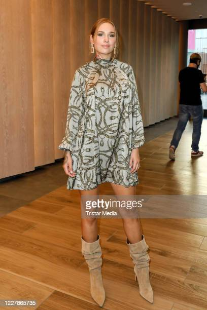 Liza Waschke attends the photocall and premiere of the horror movie Rapunzels Fluch at UCI Luxe Mercedes Platz on July 31 2020 in Berlin Germany