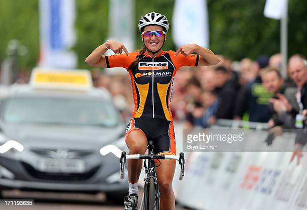Lizzie Armitstead of Boels Dolmans Cycling Team celebrates winning the 2013 National Womens Road Race Championships on June 23, 2013 in Glasgow,...