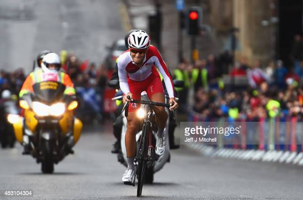 Lizzie Armitstead of England competes in the Women's Road Race during day eleven of the Glasgow 2014 Commonwealth Games on August 3 2014 in Glasgow...
