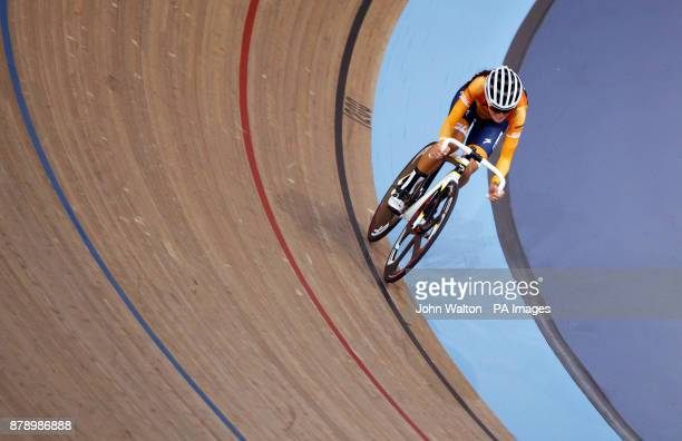 Lizzie Deignan during the women's madison time trial during Round One of the 2017/18 Revolution Series at Lee Valley Velo Park London