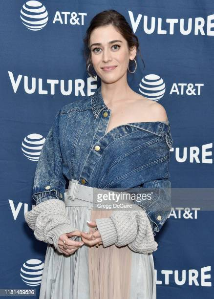 Lizzy Caplan arrives at the Vulture Festival Los Angeles 2019 Day 2 at Hollywood Roosevelt Hotel on November 10, 2019 in Hollywood, California.