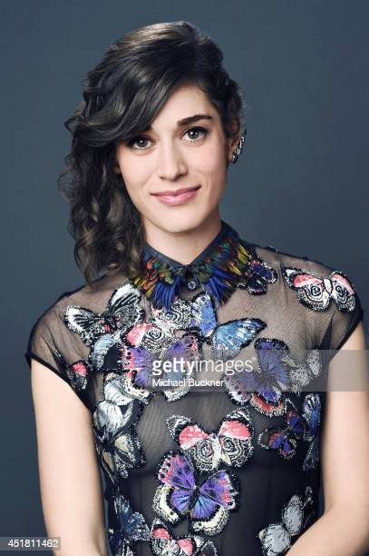 Lizzy Caplan poses for a portrait at the Critics' Choice Awards 2014 on June 19 2014 in Beverly Hills California