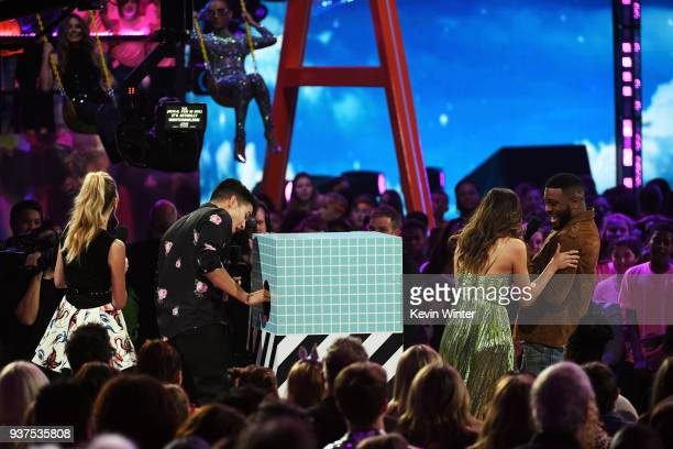Lizzy Greene Alex Wassabi LaurDIY and Kel Mitchell onstage at Nickelodeon's 2018 Kids' Choice Awards at The Forum on March 24 2018 in Inglewood...