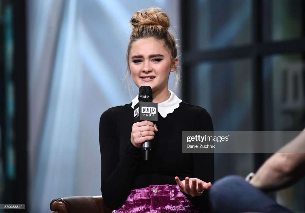 Lizzy Greene attends the Build Series to discuss Nickelodeon's 'Tiny Christmas' at Build Studio on November 6, 2017 in New York City.