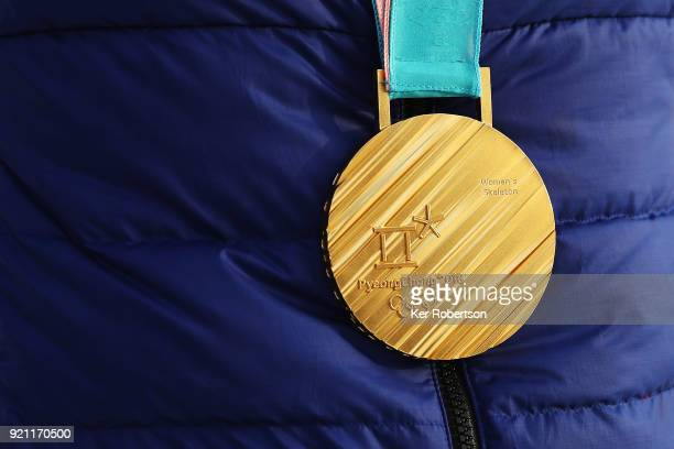 Lizzy Yarnold of Great Britain with the gold medal she received for finishing first in the Women's Skeleton at the 2018 PyeongChang Winter Olympic...