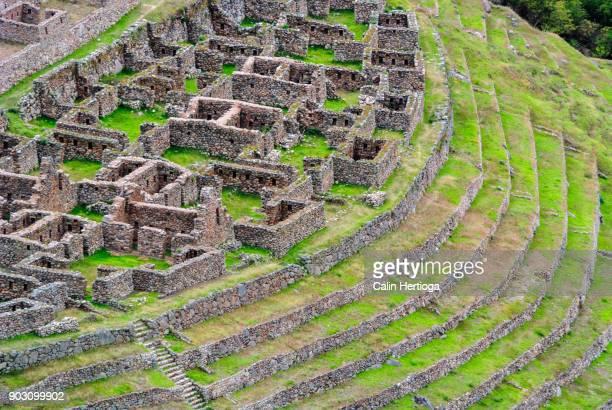 llactapata ancient inca ruins on the inca trail - マチュピチュ ストックフォトと画像