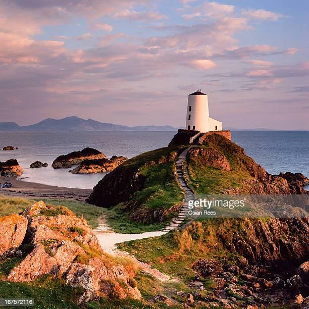 llanddwyn lighthouse - caernarfon stock pictures, royalty-free photos & images