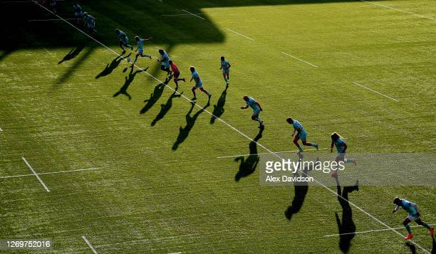 Lloyd Evans of Gloucester kicks off during the Gallagher Premiership Rugby match between Saracens and Gloucester Rugby at Allianz Park on August 26,...