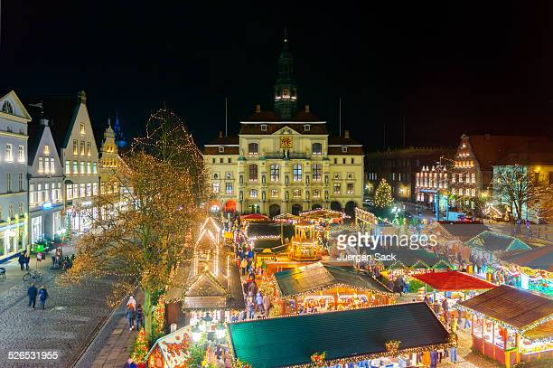 lüneburg (luneberg) christmas market - lüneburg stock photos and pictures