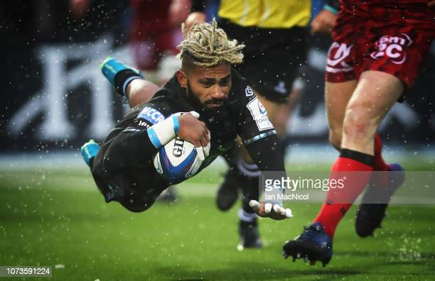 LNiko Matawalu of Glasgow Warriors scores his side's second try during the Champions Cup match between Glasgow Warriors and Lyon Olympique...