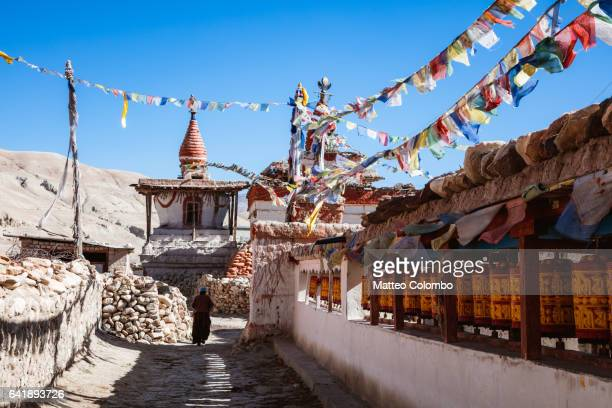 lo manthang town, upper mustang region, nepal - lo manthang stock pictures, royalty-free photos & images