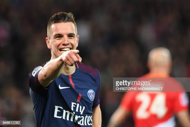 lo Paris SaintGermain's Argentinian midfielder Giovani Lo Celso celebrates after scoring a goal during the French L1 football match between Paris...