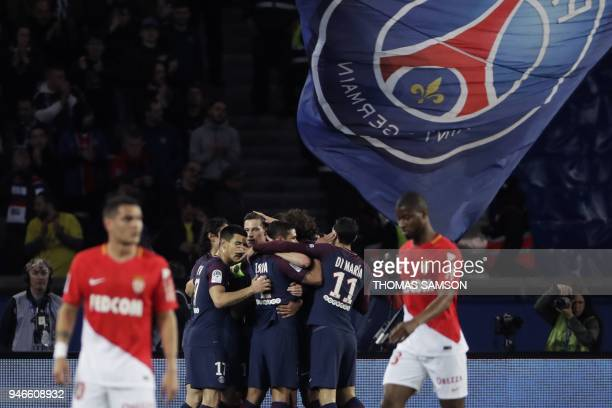 TOPSHOT lo Paris SaintGermain's Argentinian midfielder Giovani Lo Celso celebrates with teammates after scoring a goal during the French L1 football...