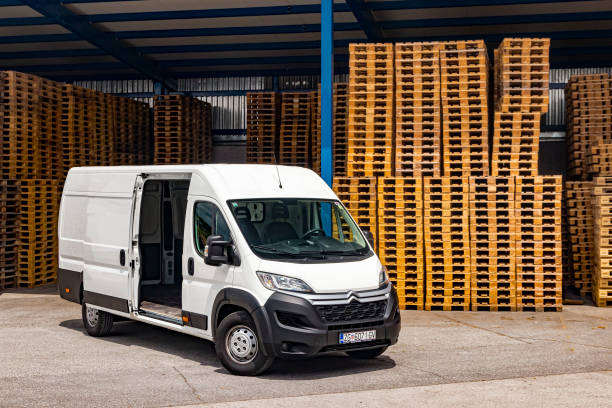 Loading a van with euro pallet