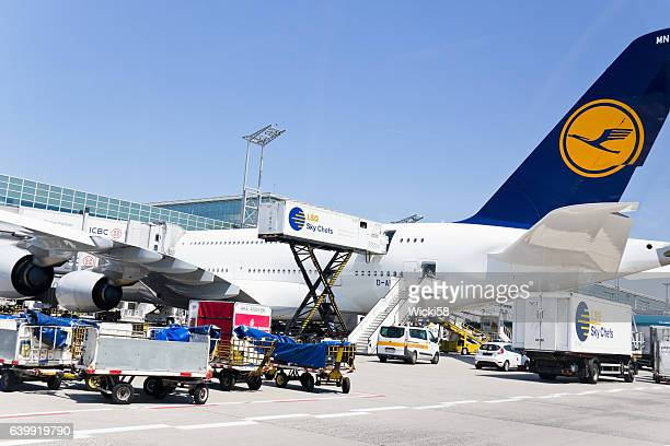 Loading and unloading of an Airbus A380-800 of the Lufthansa Airline