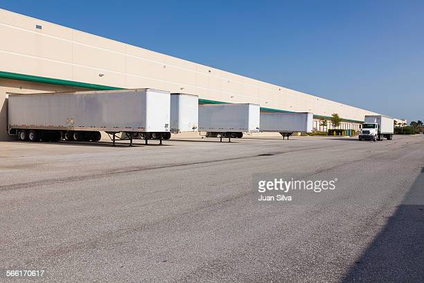 loading docks for trucks - coral springs stock pictures, royalty-free photos & images