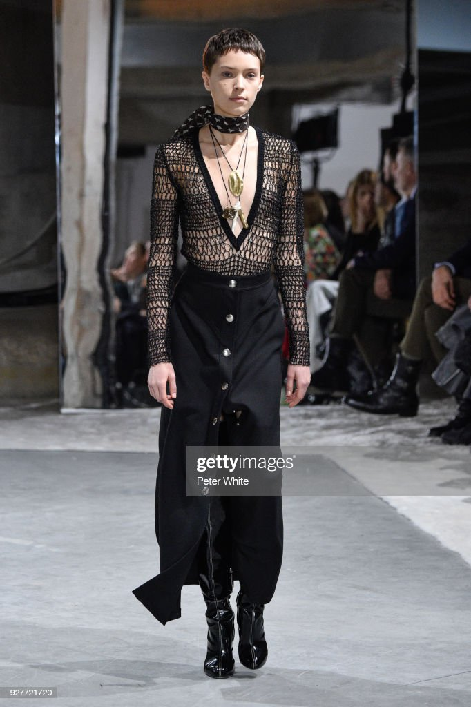 Loane Normand walks the runway during the Giambattista Valli show as part of the Paris Fashion Week Womenswear Fall/Winter 2018/2019 on March 5, 2018 in Paris, France.