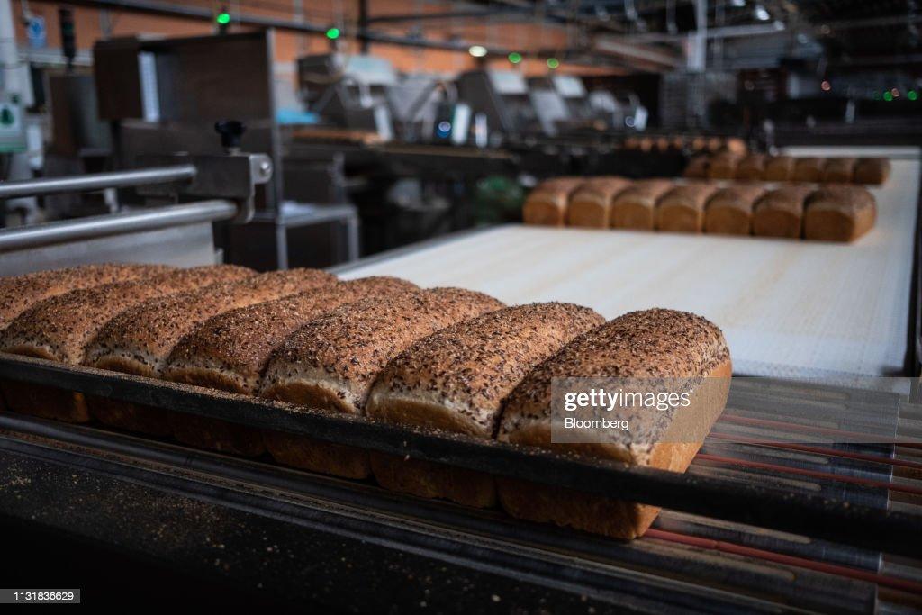 MEX: Grupo Bimbo Bread Facility As Analysts Predict Revenue Growth