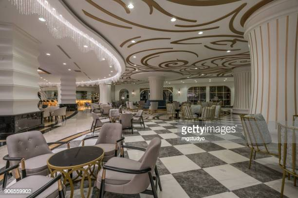 Lobby-Eingang und Lounge-Bereich