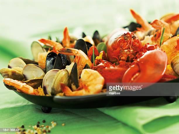 Pan et la Paella de fruits de mer homard