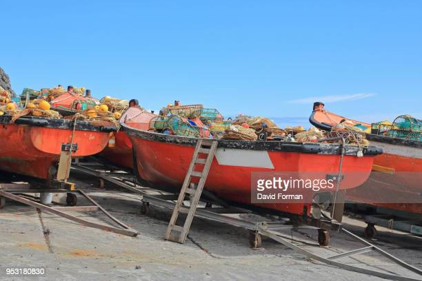 lobster boats in edinburgh of the seven seas harbour, tristan da cunha. - tristan da cunha eiland stockfoto's en -beelden